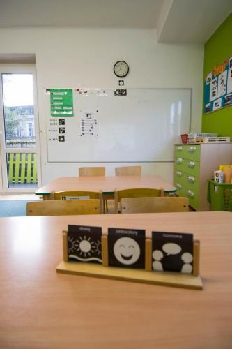 sala grupy zielonej-graficzny plan dnia i tablica multimedialna