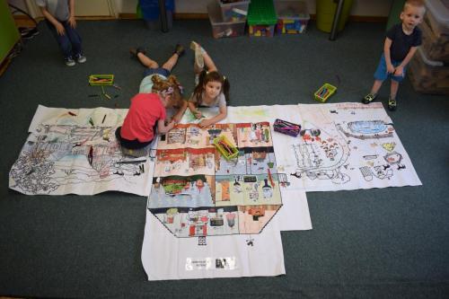 Tworzenie wielkoformatowego obrazka przedstawiającego Gospodarstwo domowe