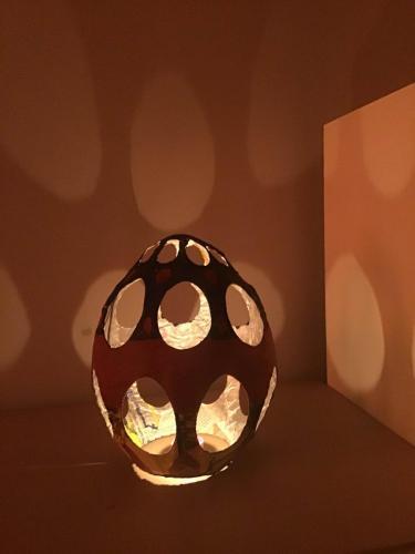 Abażur nalampkę nocną wkształcie pisanki