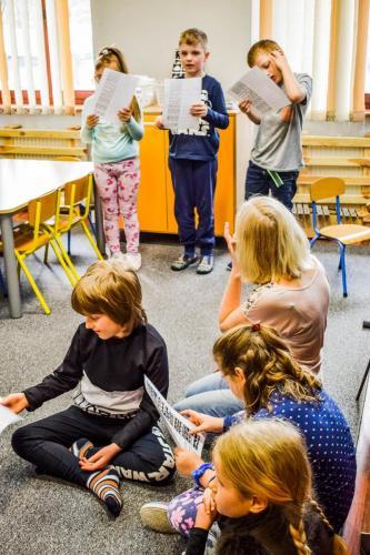 muzyka- rozwijanie czynności społecznych- występ