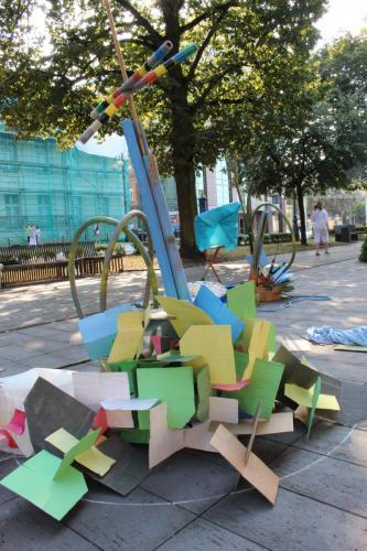 Wyspy- instalacje wykonane podczas warsztatów plastycznych
