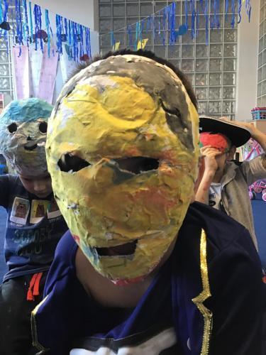 Maski zpapieru, ciasta ifarb