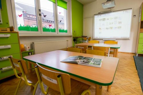 Sala grupy zielonej- tablica multimedialna