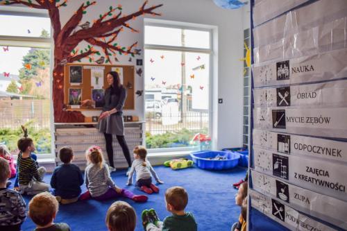 Zajęcia edukacyjne- nauka- poznawanie kwiatów